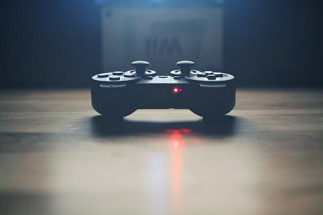 mando-videojuego-gamer-lesion